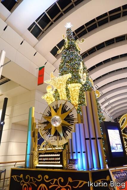 横浜みなとみらい「時計とオルガンのクリスマスツリー」イクリンブログ
