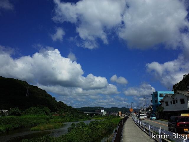 日本・岡山「笹ヶ瀬川と雲」イクリンブログ